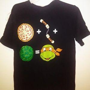 Ninja Turtle Shirt fits size  8/10